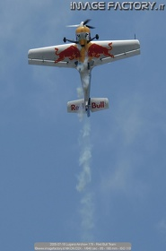 2005-07-16 Lugano Airshow 179 - Red Bull Team